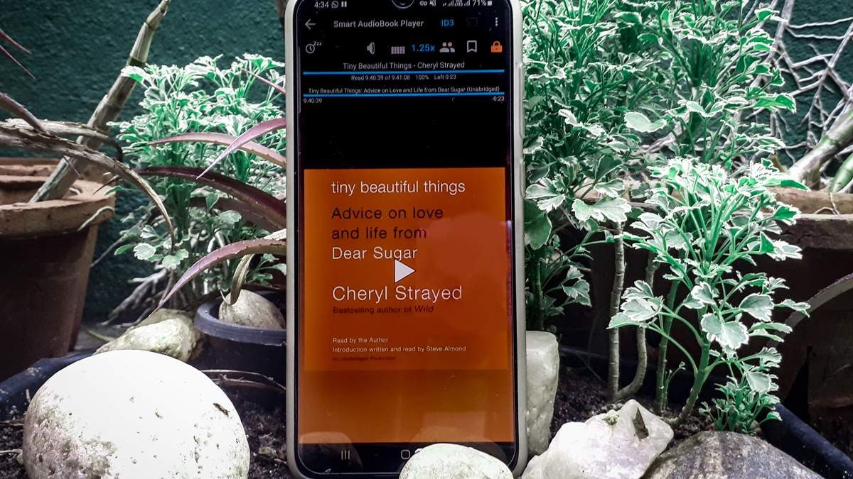 """Review: """"Tiny Beautiful Things: Advice on Love and Life from Dear Sugar"""" by Cheryl Strayed"""